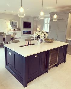 Modern Luxury Kitchens For A Grand Kitchen Open Plan Kitchen Living Room, Kitchen Dining Living, Kitchen Family Rooms, Home Decor Kitchen, Rustic Kitchen, Kitchen Furniture, New Kitchen, Kitchen Design, Happy Kitchen