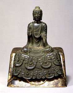 Seated Buddha statue, Asuka period (7th century), Important Cultural Property of Japan 如来坐像 重要文化財