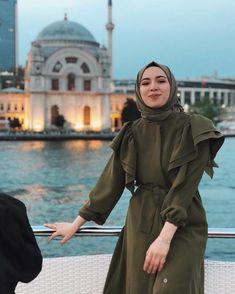 ✔ Discover the latest hijab fashion, hijab styles hijab tutorial. ✔ Discover the latest hijab fashion, hijab styles hijab tutorial… Casual Hijab Outfit, Hijab Chic, Hijab Dress, Turban Hijab, Dress Casual, Muslim Fashion, Modest Fashion, Hijab Fashion, Fashion Dresses