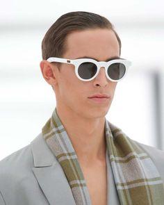 Ermenegildo Zegna Spring 2016 Menswear Fashion Show Details Latest Mens Fashion, Men Fashion, Fashion Trends, Eyewear Trends, Men Eyeglasses, Latest Design Trends, Dapper Gentleman, Looks Style, Men's Style