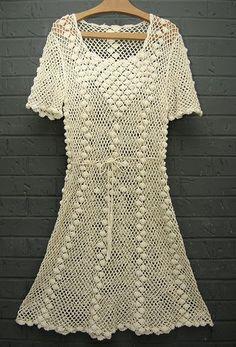 crochelinhasagulhas: Vestido branco de crochê conchinhas