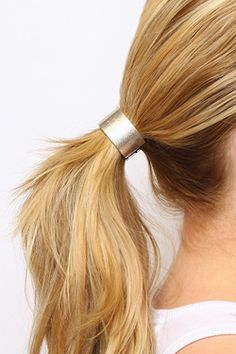 Use a hair cuff instead of a hair tie to update your ponytail for a chic look. Holiday Hairstyles, Ponytail Hairstyles, Wedding Hairstyles, Beach Hairstyles, Men's Hairstyle, Formal Hairstyles, Hairstyles Haircuts, Hair Cuffs, Blond