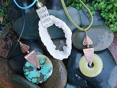 Swivel Bails Instructor: Kat Clark Workshop Fee:   $25 Sunday, August 21 (10am-12pm) If you've ever wanted to get your feet wet in metal working, this is the class for you. Swivel Bails is a cool way to make statement pieces with just a piece of sheet metal and a nice stone donut or large hole bead. Because it swivels, the pendant looks great in any direction. Experienced students can expect to make at least two bails in class. Metal working experience is helpful. Materials list.