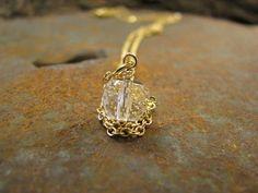 Kette Anhänger Bergkristall. 16 k Kette vergoldet mit von Querbead, $30.00