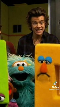 One Direction Albums, One Direction Videos, Harry Styles Smile, Harry Styles Pictures, Cool Music Videos, Good Music, Disney Diy Crafts, Harry 1d, My Only Love
