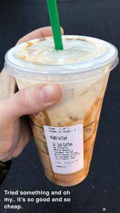 Starbucks Hacks, Healthy Starbucks Drinks, Starbucks Secret Menu Drinks, Starbucks Coffee, Yummy Drinks, Decaf Starbucks Drinks, Healthy Coffee Drinks, Cold Coffee Drinks, Dutch Bros Drinks