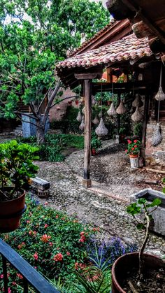 #tapalpa #jalisco #mexico #lacasadematy I Love Mexico, Yearning, Arch, Houses, Outdoor Structures, Cabin, House Styles, Places, Garden