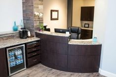 efficient check in check out medical doctor office layout design Doctors Office Decor, Dental Office Decor, Medical Office Design, Doctor Office, Healthcare Design, Office Interior Design, Office Interiors, Office Designs, Dental Offices