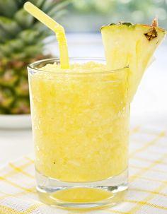 Recette Cocktail Pineapple margarita à la tequila et ananas : Mettez tous les ingrédients dans un blender. Ajoutez des glaçons et mixez jusqu'à obtenir un...