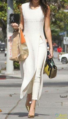 Monotone dressing. Long slit dress over leggings