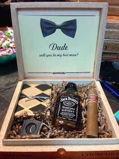 Groomsmen gift boxes! What a fabulous gift for a best man or groomsman. This groomsman gift box is great and is awesome to use in the future to store watches, keys, wallet, or other special keepsakes.