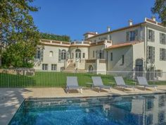 A 5 star #villa hotel at the edge of the Cap d'#Antibes - #FrenchRiviera