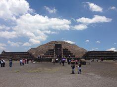 Piramide de la Luna, Teotihuacan.
