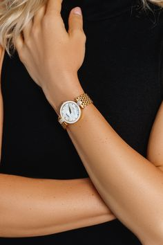 Gold watches for women, handmade in Switzerland. These ladies luxury watches are beautiful and unique. These gold watches by Jowissa will go with any outfit! Gold Watches, Seiko Watches, Luxury Watches, Watches For Men, Ladies Watches, Swiss Army Watches, Expensive Watches, Hand Watch, Beautiful Watches