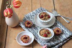 Wir zeigen dir ein breifrei Rezept für zuckerfreie Himbeer-Haferflocken-Muffins das Kindern und baby-led weaning Essern super schmeckt.