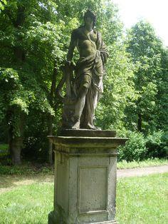 Figur im Schloßpark Altdöbern