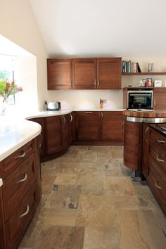 Curved Stoneham kitchen from Bradburys of Exeter