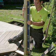 Slik lager du en blomstrende gjerde - viivilla.no Wrought Iron Fences, Backyard Landscaping, Garden Ideas, Outdoors, Gardening, Gardens, Garden Landscaping, Patio, Backyard Landscape Design