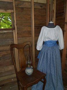 Womens Prairie Pioneer Civil War Colonial Dress bonnet skirt blouse