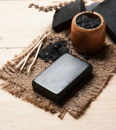 Have you heard about the unusual combination of charcoal and soap? If no, then this post about activated charcoal soap will surely excite you. Read on here! Charcoal Soap Benefits, Charcoal Soap For Acne, Activated Charcoal Benefits, Charcoal Art, Charcoal Drawings, Pencil Drawings, Soap For Oily Skin, Dry Skin, Fractionated Coconut Oil