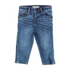 BURBERRY - BLUE JEANS BIMBO BEBÈ Classico jeans blu delavè per bimbi firmato Burberry Baby della nuova Collezione Primavera Estate 2018 - Linea di #abbigliamento e #accessori #Bambino #Neonato #Burberry #modainfantil #shopping #shoponline #annameglio