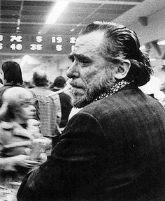Passai accanto a 200 persone e non riuscii a vedere un solo essere umano. Bukowski