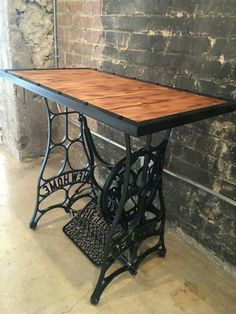 New Sewing Table Repurpose Ideas Upcycled Furniture Ideas Antique Sewing Machine Table, Treadle Sewing Machines, Antique Sewing Machines, Sewing Machine Desk, Repurposed Furniture, Industrial Furniture, Rustic Furniture, Diy Furniture, Antique Furniture