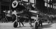 Ju87D-AssemblyLine-2f-s.jpg (1200×628)