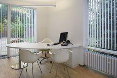 Cabinet Medical, Future Office, Office Furniture Design, Clinic, Bathtub, Logo Design, Inspiration, Couture, Home Decor