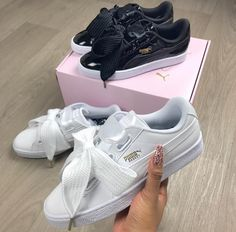 Read Chaussure baskets from the story Book Photo by (PostBad) with reads. Puma Sneakers, Bow Sneakers, Sneaker Boots, Trendy Shoes, Casual Shoes, Puma Basket Heart, Shoe Boots, Shoes Heels, Baskets