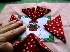 How To: Amish Folded Star Quilted Hotpad / Pot Holder Tutorial Quilted Christmas Ornaments, Christmas Sewing, Christmas Crafts, Christmas Blocks, Christmas Placemats, Star Quilts, Mini Quilts, Potholder Patterns, Quilt Patterns