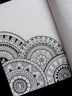 ▷ ideas de dibujar mandalas fáciles e interesantes Mandala Doodle, Mandala Art Lesson, Doodle Art Drawing, Zentangle Drawings, Art Drawings Sketches, Mandalas Painting, Mandalas Drawing, Mandala Artwork, Doodle Patterns
