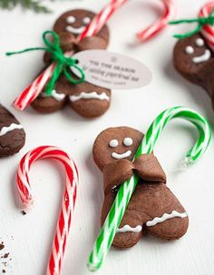 Holiday recipe: Chocolate gingerbread men with candy canes - recipe . - Holiday recipe: chocolate gingerbread men with candy canes – # Chocolate g - Xmas Food, Christmas Sweets, Christmas Cooking, Noel Christmas, Christmas Goodies, Christmas Crafts, Christmas Decorations, Chocolate Christmas Gifts, Christmas Kitchen
