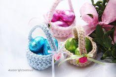 """Grüezi meine Lieben, Ostern rückt immer näher....... und da fehlte mir noch so etwas """"klitze"""" Kleines zum Verschenken! Natürl..."""