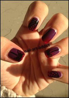 Nail Art : Araignée et sa Toile http://nail-art-addict.blogspot.com/2015/10/nail-art-araignee-et-sa-toile-halloween.html