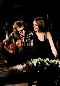 Play It Again, Sam - woody allen & diane keaton, sweet little film Woody Allen, Movie Stars, Movie Tv, Actor Studio, Diane Keaton, Famous Couples, Great Films, Film Director, Comedians