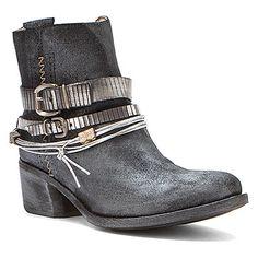 Khrio Danbury found at #OnlineShoes