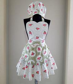 Floral apron for women Vintage style apron Women apron with Cute Aprons, Aprons For Men, Black And White Tuxedo, Sewing Aprons, Vintage Fashion, Vintage Style, Apron Designs, Kitchen Aprons, Sewing Tutorials