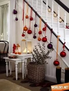 Christmas Staircase Decorations Ideas can just read this full article we had created for you.So checkout Beautiful Christmas Staircase Decorations Ideas Noel Christmas, Christmas Baubles, Christmas Projects, All Things Christmas, Winter Christmas, Christmas Hallway, Christmas Ideas, Christmas 2019, Modern Christmas