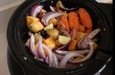 Vous préparez un gros repas et vous voulez être certain de ne pas vous tromper avec les légumes? Il faut absolument que vous tentiez le coup avec la mijoteuse! Crockpot Veggies, Vegetarian Crockpot Recipes, Slow Cooker Recipes, Crockpot Carrots, Vegetarian Grilling, Healthy Grilling, Crockpot Meals, Vegetarian Food, Vegan Recipes