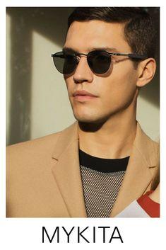 Advertising Archives, Men Photoshoot, Mens Glasses, Eyewear, Sunglasses Women, Glamour, Mens Fashion, Face, Model