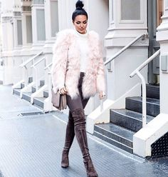 #TB #NYFW #fauxfur Tap for outfit details Photo cred: @jalisaoudenaarde