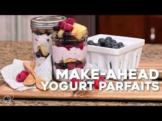 Make-Ahead Fruit & Yogurt Breakfast Parfaits are a quick and easy gluten-free breakfast recipe. Assemble once then grab and go for easy breakfasts all week long! Mason Jar Breakfast, Yogurt Breakfast, Free Breakfast, Breakfast Parfait, Breakfast Ideas, Camping Food Make Ahead, Camping Meals, Camping Recipes, Grilling Recipes