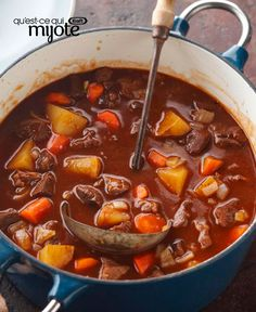 Seriously Simple Beef Stew — Consider this Healthy Living recipe the best of both worlds. Hearty, one-pot beef stew that's just right for a cool night but can also fit into your smart eating plan. Kraft Foods, Kraft Recipes, Beef Recipes, Soup Recipes, Cooking Recipes, What's Cooking, Cooking Zucchini, Recipies, Party Recipes