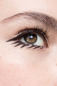 Use felt tip eyeliner to get this defined look