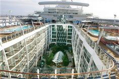 The Oasis of the Seas has even a park on board