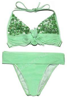 The green bikini worn by Solange (Alex Dimitrios's wife) played by Caterina Murino in Casino Royale, is a La Perla Green Sequin bikini. Bond Girls, Casino Royale, James Bond, Sequin Bikini, Sequin Top, Suits Season, Green Bikini, Swimsuit Cover Ups, Bikini Photos