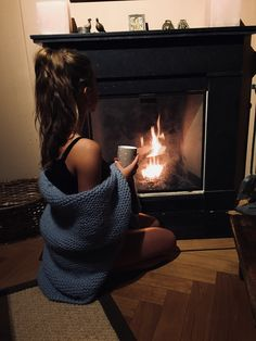 ♔➸Let's get find some place to get loose➸♔ Insta Photo Ideas, Winter Pictures, Foto Pose, Tumblr Girls, Warm And Cozy, Sexy, Cool Outfits, Photoshoot, Selfie