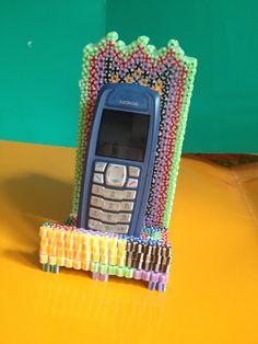 Base para el móvil hecho con hama beads