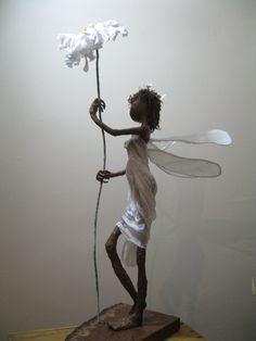 Sculpture of Daisy Fairy. por Stephaniessculptures en Etsy